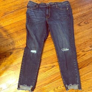 Target Mossimo mid rise skinny Jean size 18R.